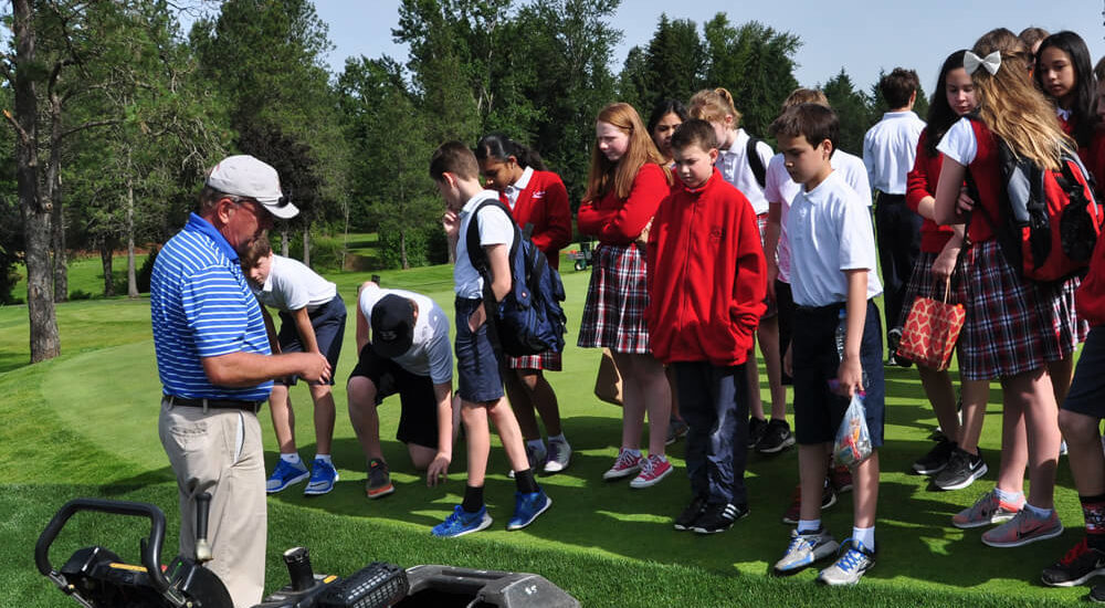 Superintendents Host STEM Field Trip | Become a Friend | First Green | A GCSAA Program